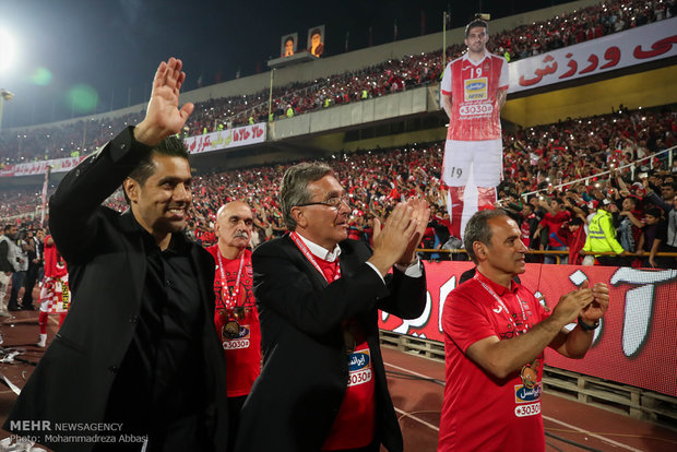 دیدار تیم های پرسپولیس تهران و سپید رود رشت