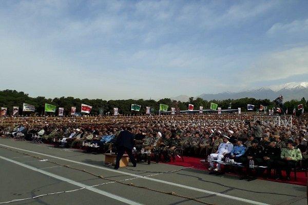 انطلاق المهرجان الوطني للجندي الشاب في ايران