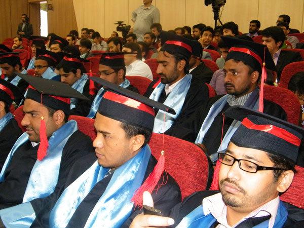 """طلاب من عشرة بلدان يدرسون في جامعة """"اهل البيت"""" الدولية"""