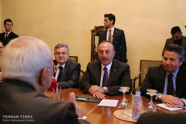 Zarif meets his Turkish counterpart in Moscow