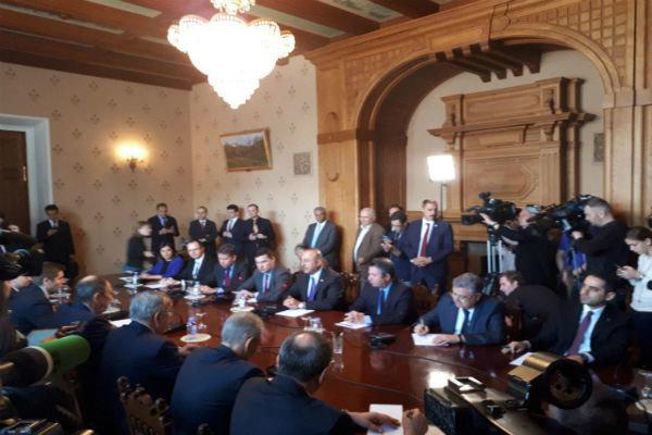 لقاء ثنائي يجمع لافروف واوغلو  في موسكو