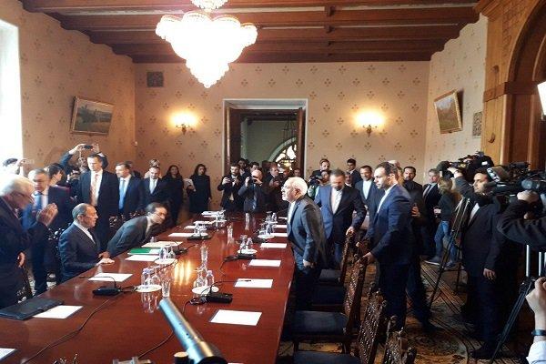 ظریف با وزیر خارجه روسیه دیدار و گفتگو کرد