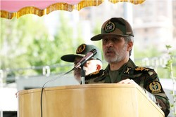 Defense min. vows to keep upgrading Iran's missile power
