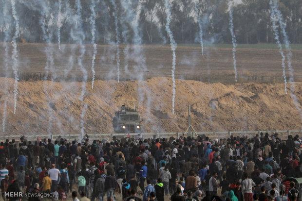 """مظاهرات حاشدة عند حدود غزة في """"جمعة عمال فلسطين"""""""