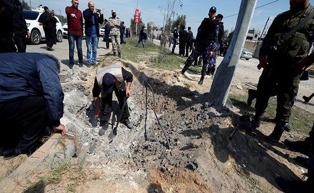 حماس تتهم السلطة الفلسطينية بمحاولة اغتيال رئيس الوزراء الحمد الله