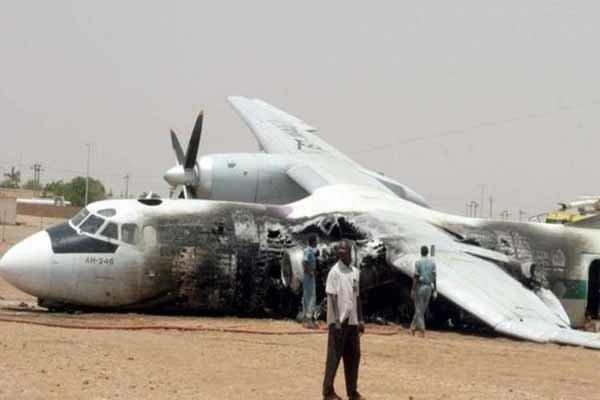مقتل 3 أشخاص بتحطم طائرة عسكرية ليبية عند حقل الشرارة النفطي