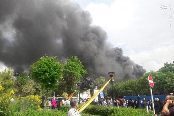مهار آتش در رستوران مسلم در بازار تهران/ آتش سوزی مصدوم نداشت