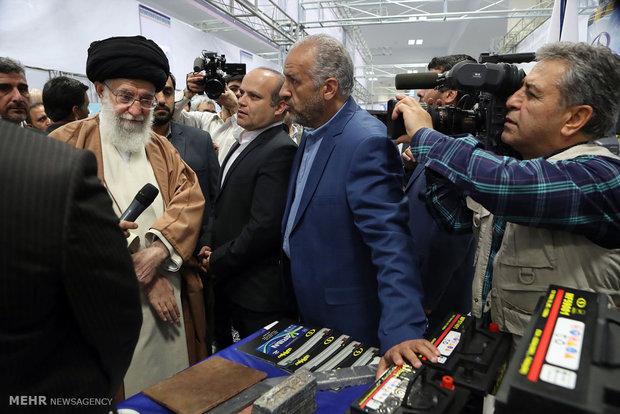 """مشاهد من زيارة قائد الثورة الاسلامية لمعرض """"المنتج الايراني"""""""