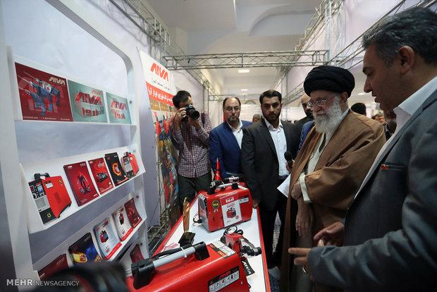 بازدید ۲.۵ ساعته رهبر انقلاب از نمایشگاه کالای ایرانی + تصاویر