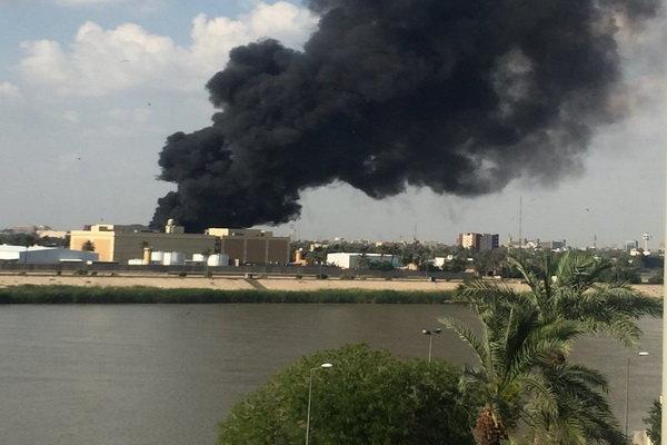 حريق بالقرب من السفارة الامريكية ببغداد