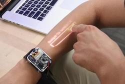 ساعتی که پوست دست را به صفحه نمایش تبدیل می کند