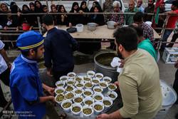 پخت 1200 کیلو آش نذری در روز میلاد حضرت مهدی (عج) در اهواز