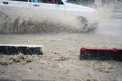 بارش باران و آبگرفتگی معابر در سنندج
