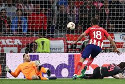 اتلتیکو مادرید به فینال رسید/ ونگر لیگ اروپا را دست خالی ترک کرد