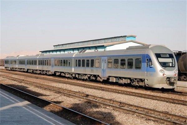 حرکت قطارهای حومه ای از سر گرفته شد/ قیمت بلیت ثابت ماند