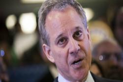رسوایی اخلاقی دادستان نیویورک را وادار به استعفا کرد