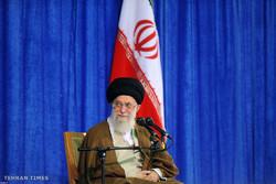 Ayatollah Khamenei meets with teachers and university staff on Teachers Week