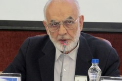 دولت رویکرد تمرکز زدایی و تفویض اختیارات به استان ها را دنبال می کند