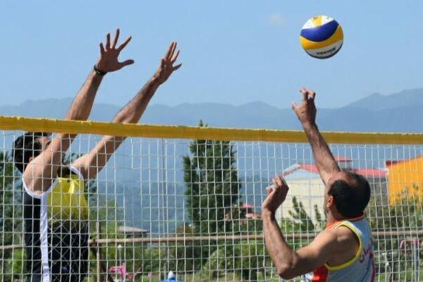 والیبال ساحلی کارگران - کراپشده