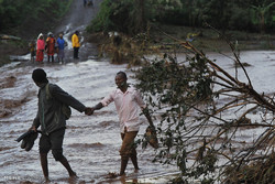 شکسته شدن سد در کنیا