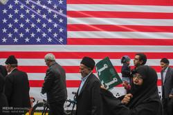 تجمع نمازگزاران تبریزی در اعتراض به اقدامات آمریکا