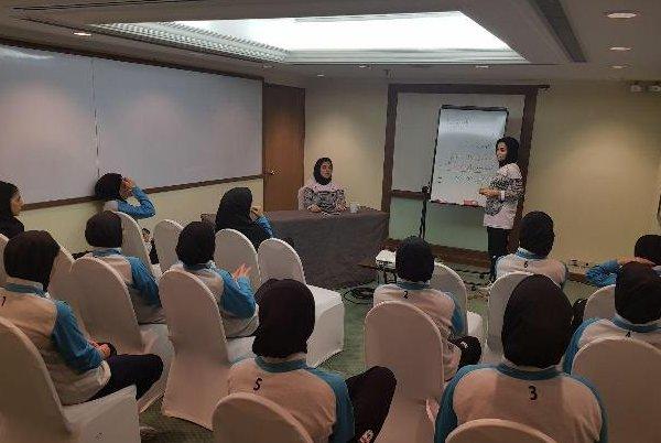 برگزاری کلاس روانشناسی پیش از دیدار تیم فوتسال بانوان برابر ژاپن