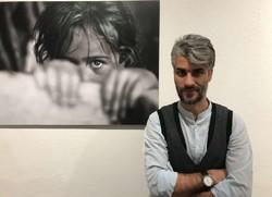 هنرمند ترک تبار با نمایشگاه «نگاه» در شیراز/عکسها همه مستند هستند