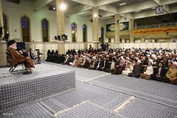 لقاء قائد الثورة مع اعضاء مؤتمر «دور الشيعة في ولادة وتوسُّع العلوم الاسلامية»