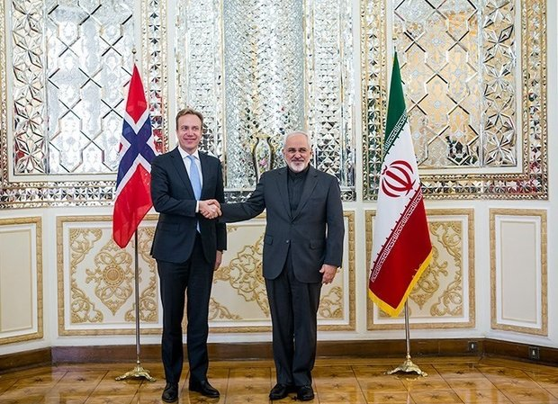 Zarif discuss JCPOA on phone with Japanese, Norwegian FMs