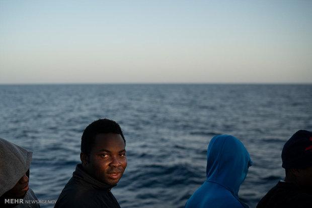 Denizden kurtarılan mülteciler