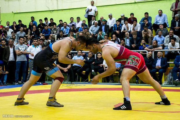 المنتخب الإيراني للمصارعة الحرة بطلا للألعاب الدولية في رومانيا