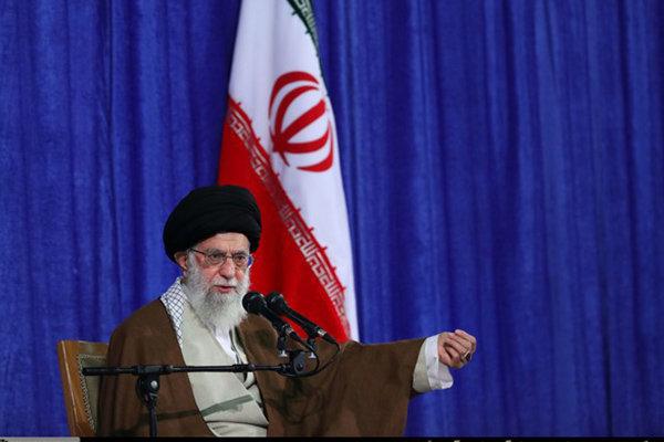 قائد الثورة يحث على الإسراع في معاقبة العابثين بالاقتصاد الايراني