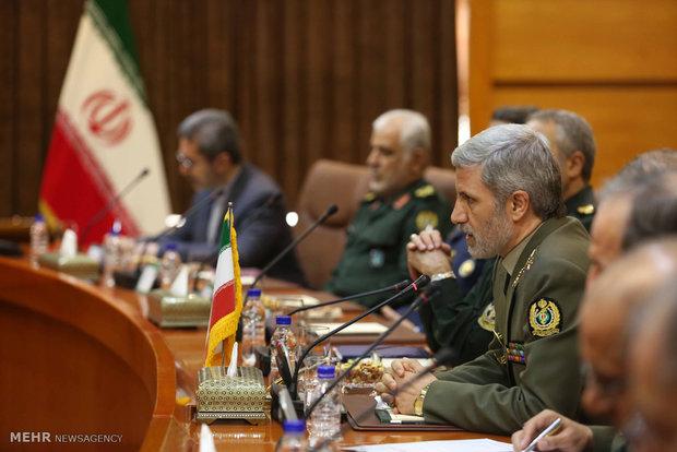 وزير الدفاع الإيراني يحذر من امتداد داعش في أفغانستان