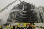 حريق يشب في أحد أبراج دبي