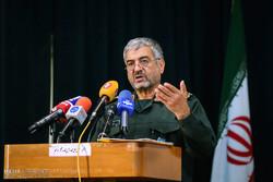 ناامیدی دشمن از فشار و تهدید علیه ایران/ آمریکا رو به افول است