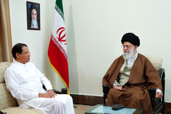 Ayatollah Ali Khamenei, Leader of the Islamic Revolution, told visiting Sri Lankan President Maithripala Sirisena on Sunday that Asian countries should enhance cooperation in a bid to boost their stre
