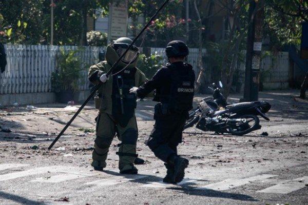 """انفجار سيارة مفخخة في """"سورابايا"""" في إندونيسيا"""