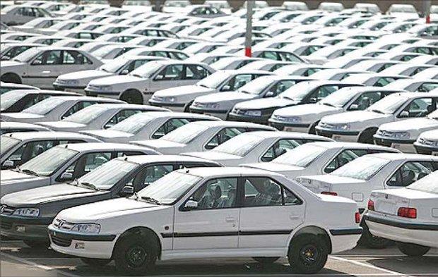 امکان احتکار خودرو از سوی خودروسازان وجود ندارد