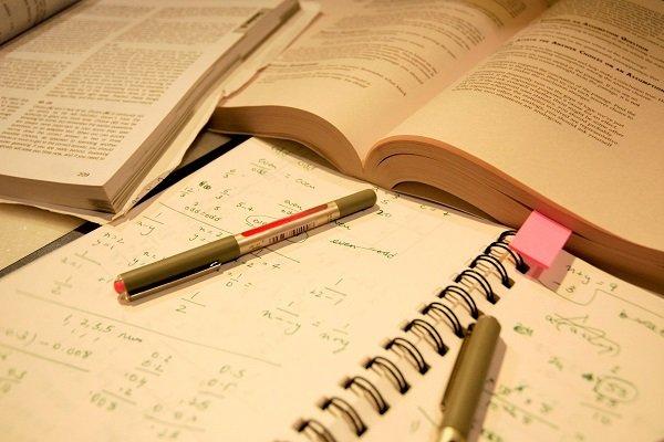 چه طور ایام امتحانات زنده بمانیم؟