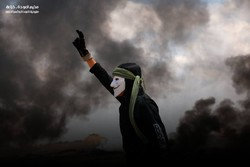 الفلسطينيون يعلنون اليوم إضراباً شاملاً ويستمرون مسيرة العودة