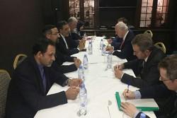 جابري أنصاري يلتقي بديمستورا وممثلي روسيا وتركيا في جنيف