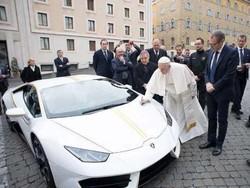 پوپ فرانسس کی گاڑی 8 لاکھ 50 ہزار ڈالر میں نیلام