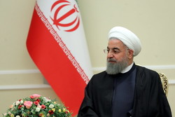 Rouhani receives credentials of five ambassadors