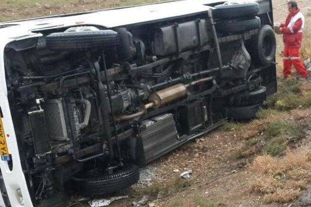 یک کشته و ۷ زخمی در واژگونی مینی بوس در ارومیه