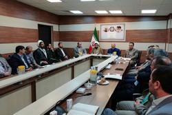 مردم و مسئولین در حمایت از کالای ایرانی جدی تر عمل کنند