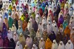 بدء شهر رمضان الكريم في مختلف أنحاء العالم الاسلامي /صور