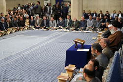 محفل لتلاوة القرآن الكريم بحضور قائد الثورة بمناسبة حلول شهر رمضان