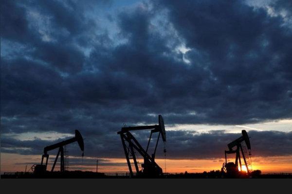 پایگاه خبری آرمان اقتصادی 2785363 با تقویت دلار، قیمت نفت افت کرد