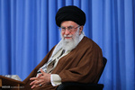 قائد الثورة يطالب المسؤولين الالتزام بالشفافية مع الشعب