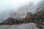 ریزش کوه در محور پلدختر- خرمآباد